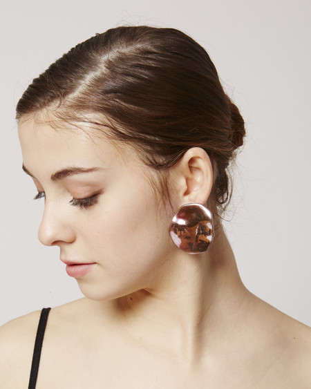 JULIE THÉVENOT Puddle Earrings in pink