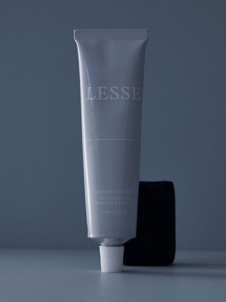 LESSE Refining Cleanser