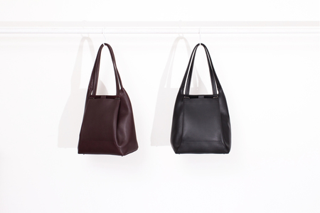 IMAGO-A Nº37 Forma Shoulder Bag