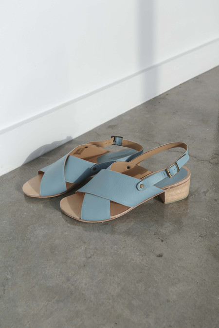 A Détacher Crane Sandals in Sky Blue Leather