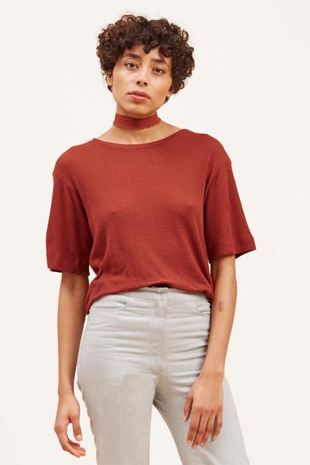 Waltz Studio Fine-Ribbed Wool T-Shirt – Rust