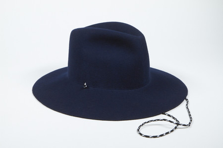 Clyde Wide Brim Pinch Hat w. Drawstring in Navy