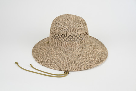 Clyde Koh Hat in Vented Seagrass w. Drawstring