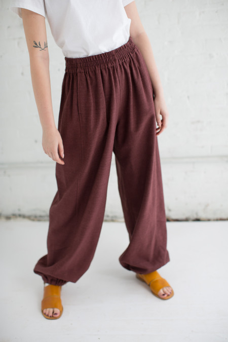 Unisex Electric Feathers Genie Pant in Bark