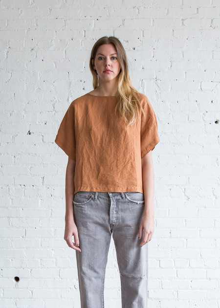 Black Crane Linen Box Tee Rust