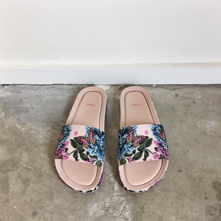 Melissa Beach Slide III in Pink Flower