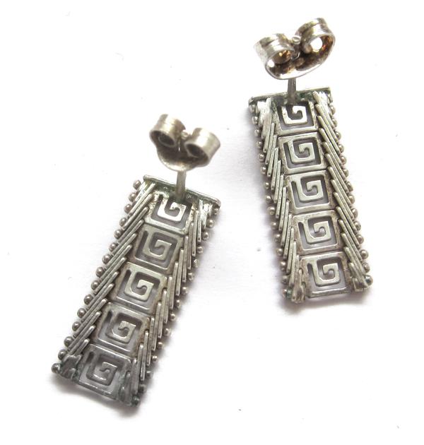 Silver flat pattern earrings