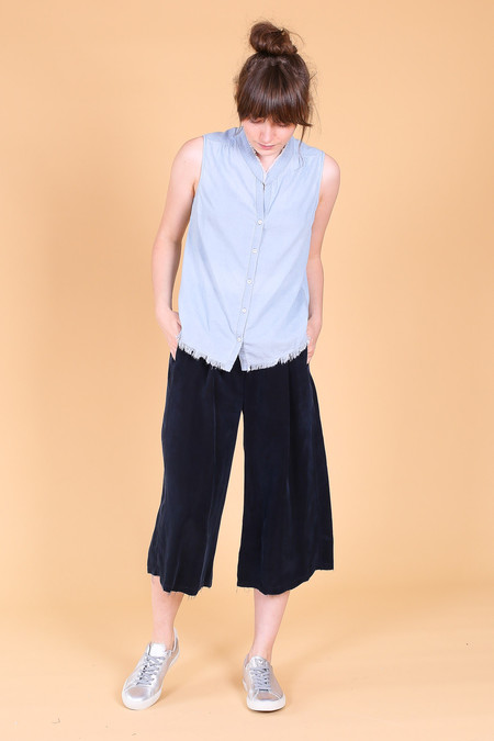 Pharaoh Sleeveless shirt with raw hem in sky