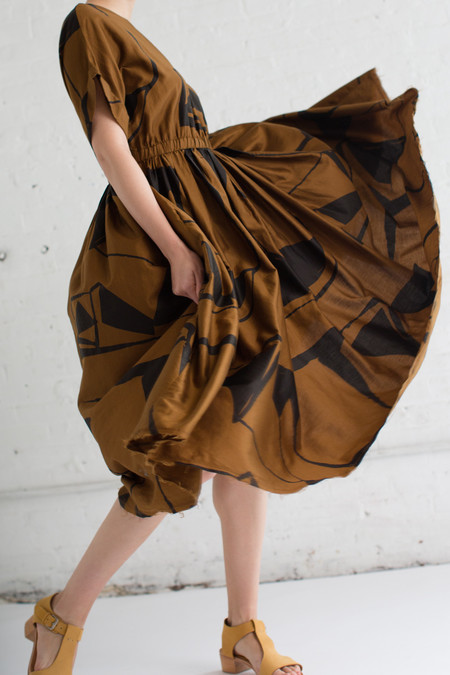 Black Crane Pleated Dress in Print B