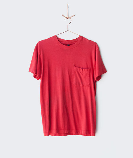 BILLY 1960's Red Distressed Pocket Tee