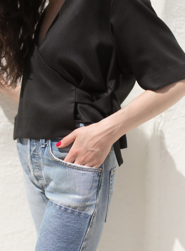 Waltz Wrap Top (black)