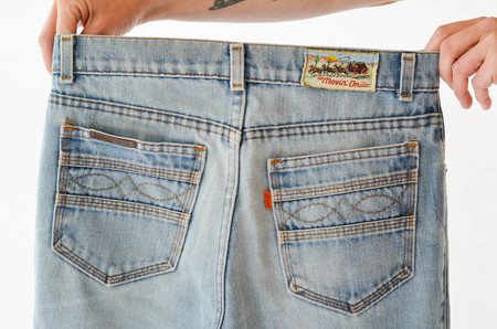 FINDS Vintage Movin' On Orange Tab Levi's