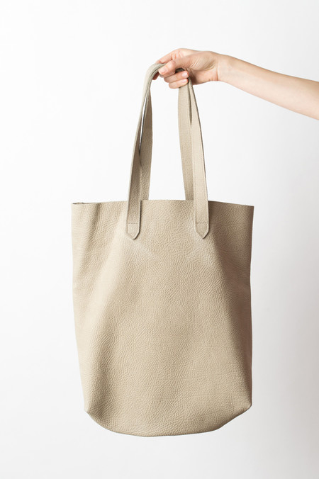 Shannon South Montauk Tote In Clay