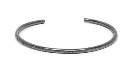 FORTUNE GOODS CARVED MONTAGNARD BRACELET IN STEEL (THIN)