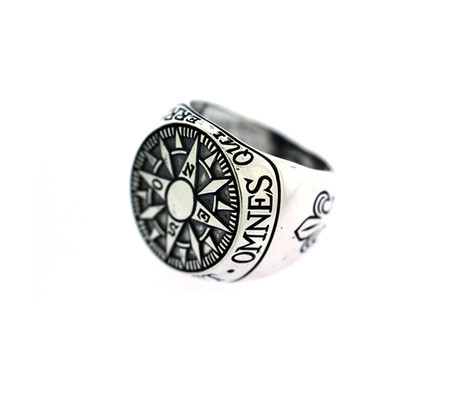 Digby & Iona Compass Signet Ring