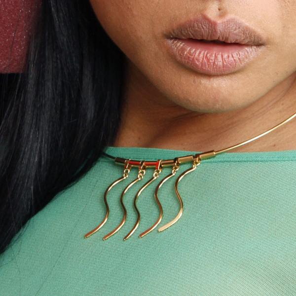 Alynne Lavigne Wave Collar