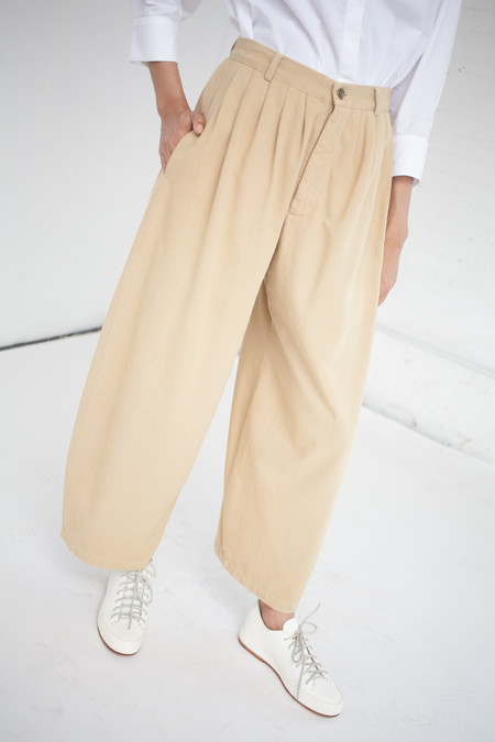 69 Pleated Pants in Camel