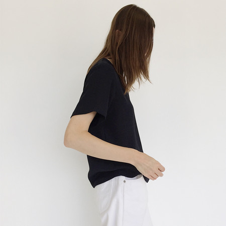 Johan Vintage Boxy Black Woven T-shirt
