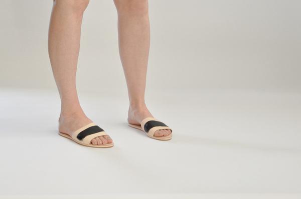 "The Palatines ""caelum"" slide sandal   naked/black"
