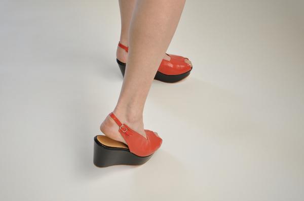 "The Palatines ""levo"" wedge sandal | tomato/black"