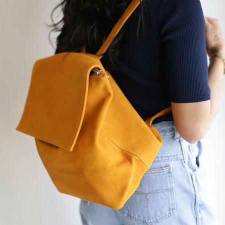 Cold Picnic Backpack - Saffron Suede