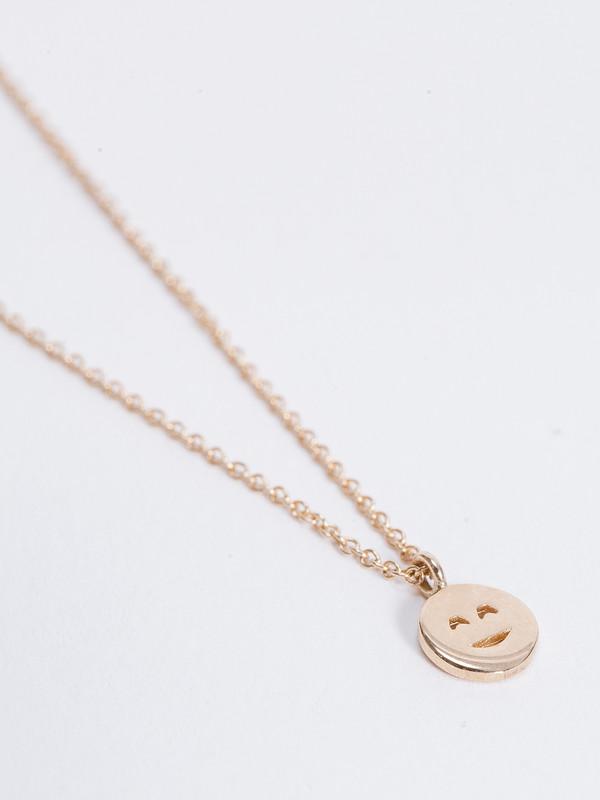 Winden Blushing Face Necklace