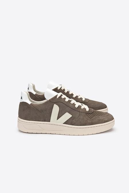 VEJA Suede sneaker in moonrock