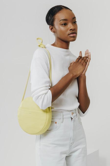 BAGGU circle purse 2 - soft yellow