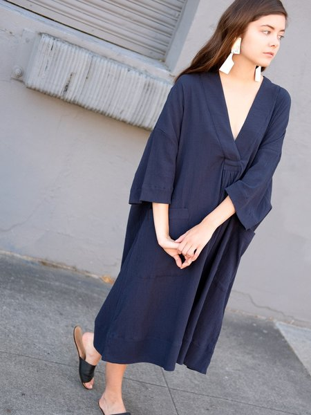Sunja Link PULLOVER DRESS IN NAVY CRINKLE COTTON