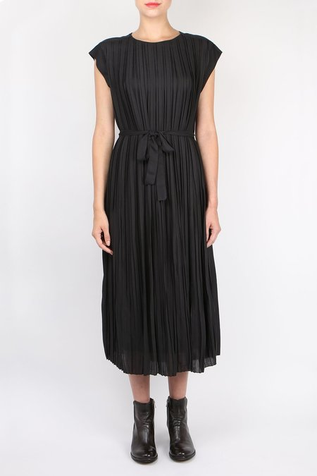 Pomandere Pleated Dress - Black