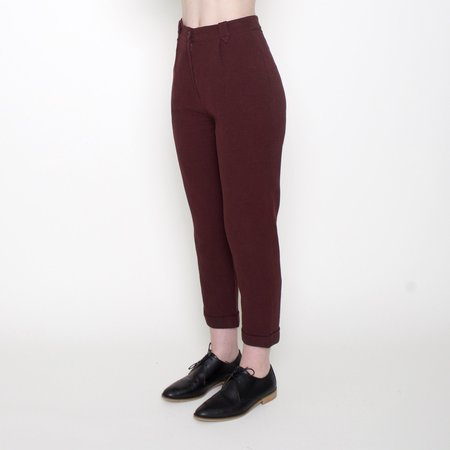 7115 by Szeki Cotton Cropped Trousers - Maroon