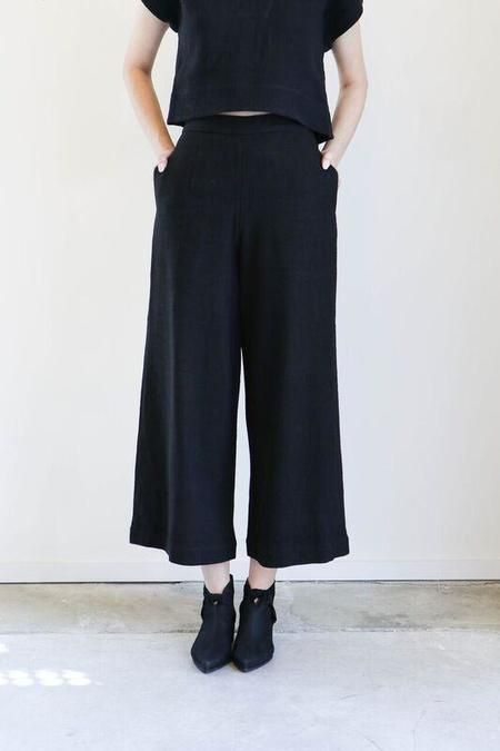 7115 By Szeki Wide Legged Trousers in Black