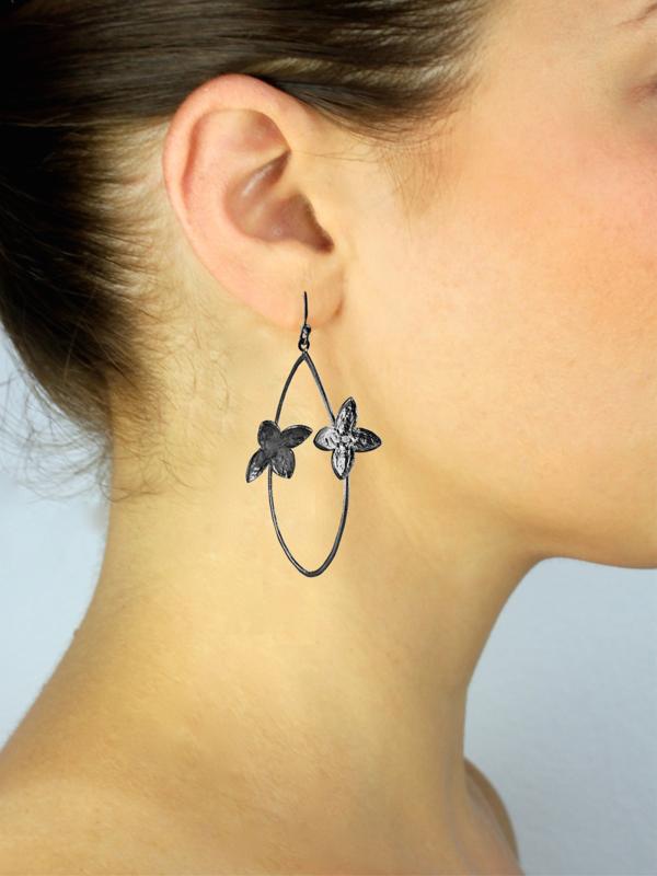 SíSí Design Black Double Jasmine Hoops