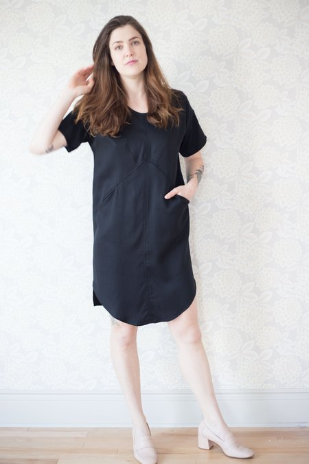 Eve Gravel Rosewood Dress - Black