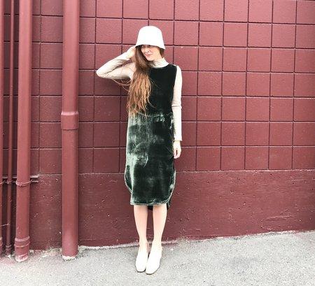 Priory Arc Velvet Dress - Forest Green