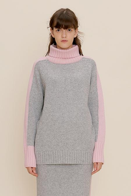 ROC. Color Line Turtleneck Knit- Grey
