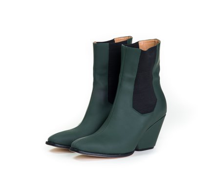 The Palatines inergia chelsea boot w sculpted heel -  fir green super matte leather