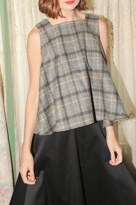 Wolcott : Takemoto Ella Top in Gray Plaid