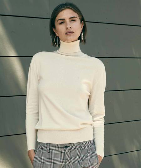 Ryan Roche Basic Turtleneck Sweater - Ivory