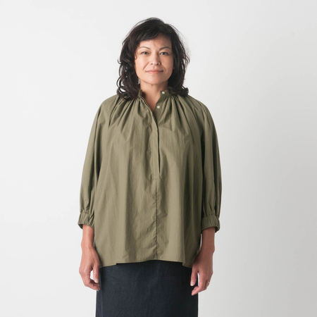 NICO Queen Blouse in Khaki