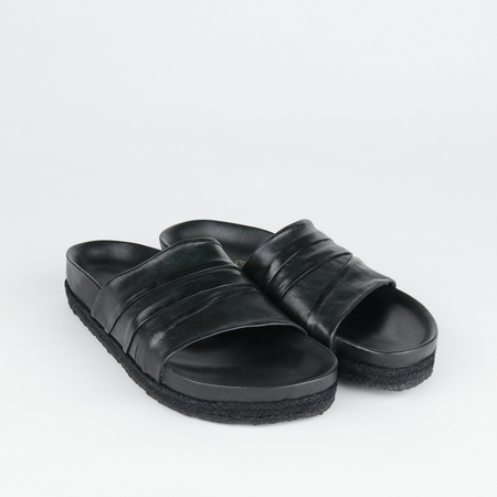 Yuketen Ojaian Slide in Black