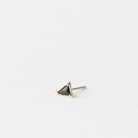 MOCIUN Single Onyx Triangle Stud in 14K Yellow Gold