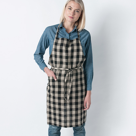FOG LINEN WORK Linen Daily Apron in Black and Natural Check