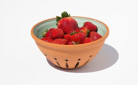 New York Stoneware Berry Bowl - Turquoise