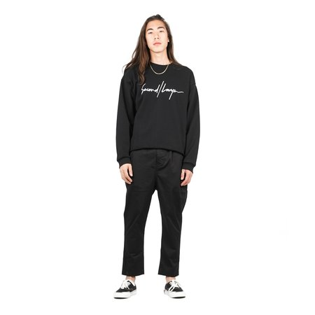 SECOND/LAYER Cropped Pullover W/ Long Script - Black