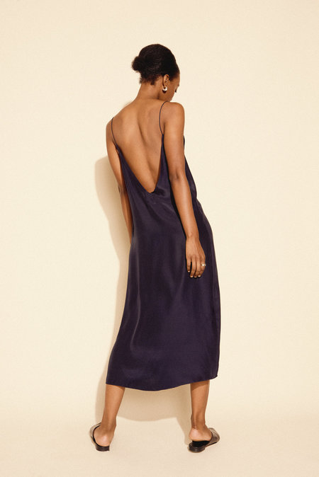 Kamperett Sade Slip Dress - Midnight Navy