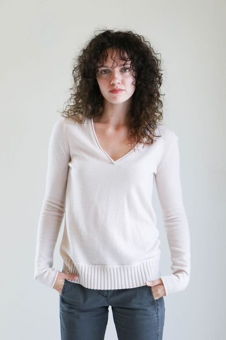 Inhabit Rib Hem V-Neck Sweater in Buff