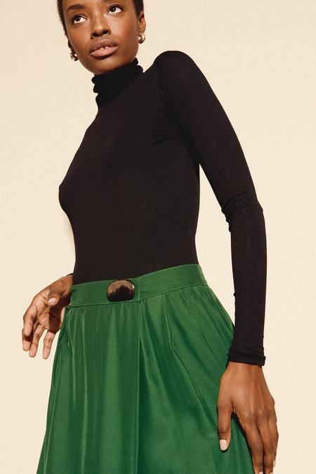 Kamperett Dagmar Pleated Silk Skirt in Emerald