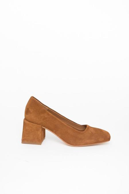 LOQ Villa Suede Pumps - Amaretto
