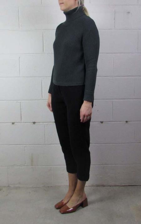 7115 by Szeki turtleneck cropped sweater